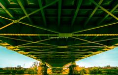 朝日に輝く旭橋
