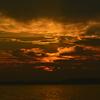 日が沈み赤に染まる
