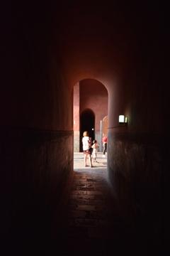 歴史のトンネル