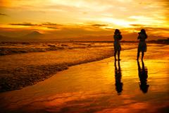 湘南の渚でロックオン…