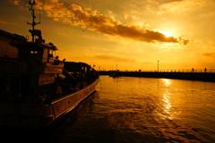 漁港の夕景...