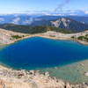 白山の青い池