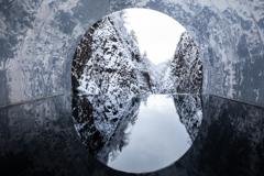 渓谷トンネル雪景色