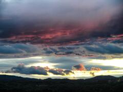 梅雨期の夕雲