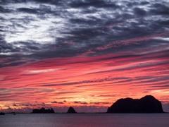 朝焼けの島