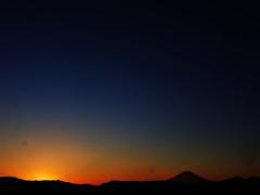 雲のない夕暮れ富士