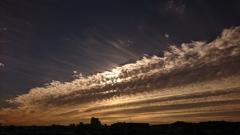 雲が主役の朝