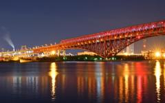 紅い橋と煙
