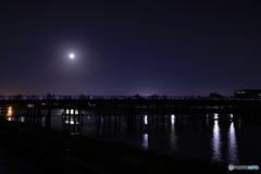 満月と渡月橋