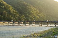 夕陽さす渡月橋