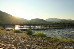 夕日が眩しい嵐山公園