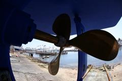 休日の漁船