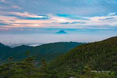 夏の朝焼け富士