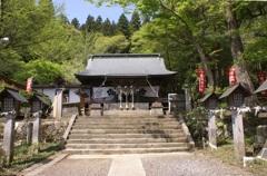 南湖神社拝殿と境内
