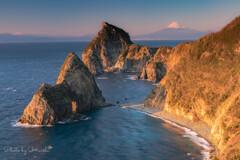 潮騒と夕陽の岬
