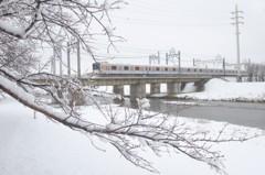 通勤ラッシュと大雪注意報。