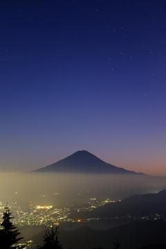 宵の黒富士。