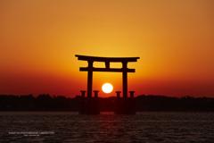 湖上の夕日