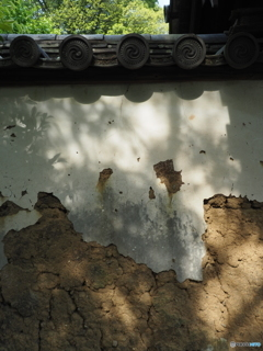 午後の土塀