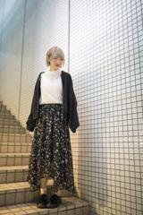 「Snap Photo 2018 no.24 : 白壁スナップの女子」8