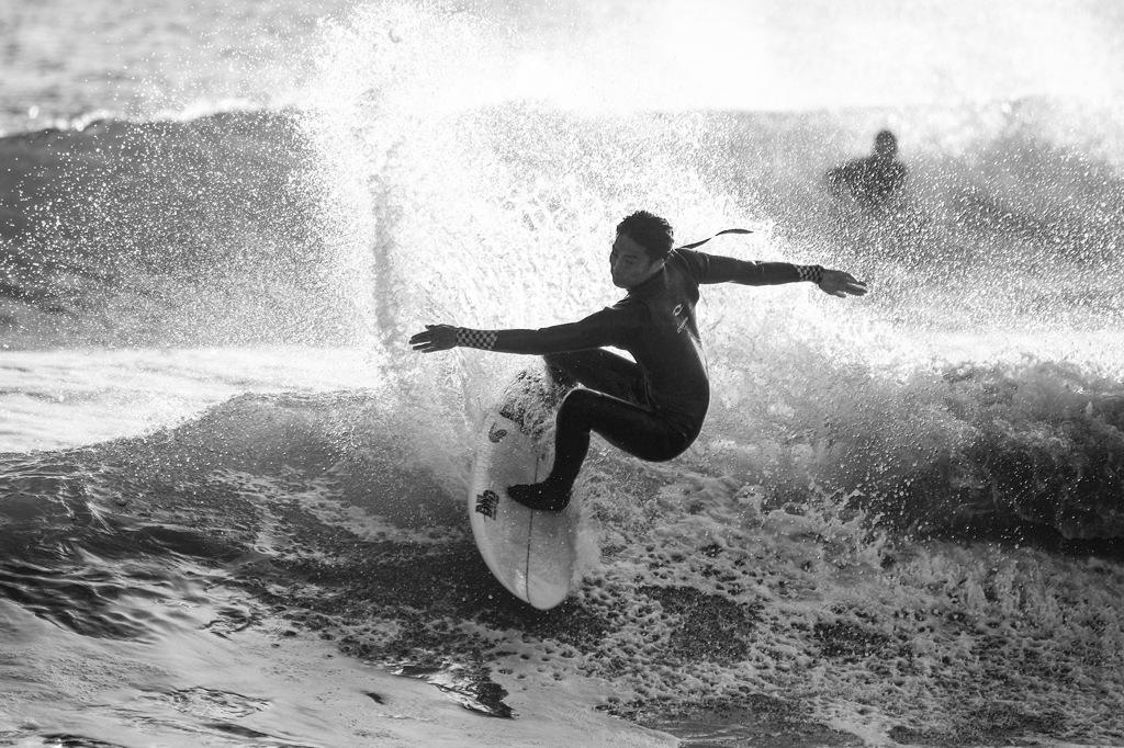 「サーフィン monochrome 」