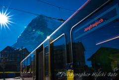 登山電車とアイガー