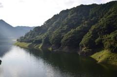 杖立温泉付近の渓谷アングルB