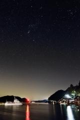 伊根湾と夜空