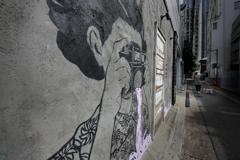 路地裏カメラマン