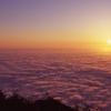 剱岳・早月尾根から眺める一面の雲海に沈む夕日