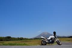晴天と大山と愛車