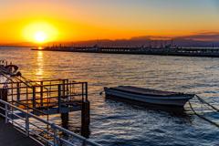 片瀬漁港の夕暮れ