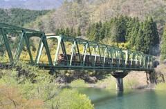 鉄橋を渡る風