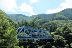 橋梁の夏模様