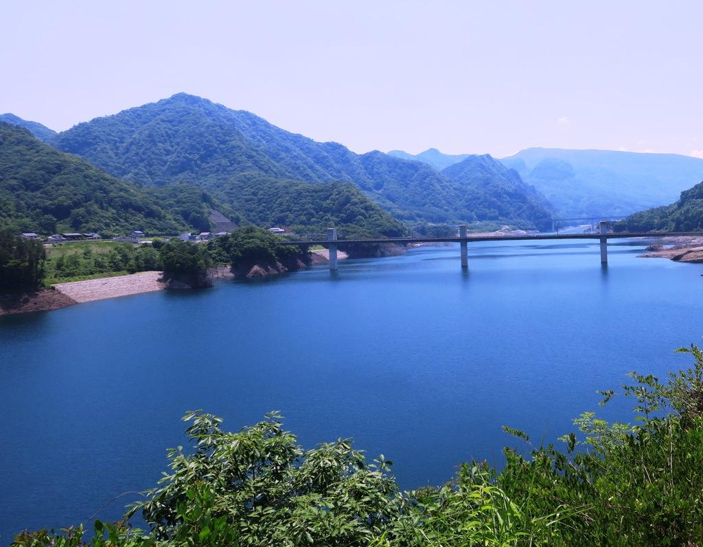初夏の八ッ場ダム湖(吾妻湖)