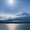 ダイアモンド前の富士山 (引きで)