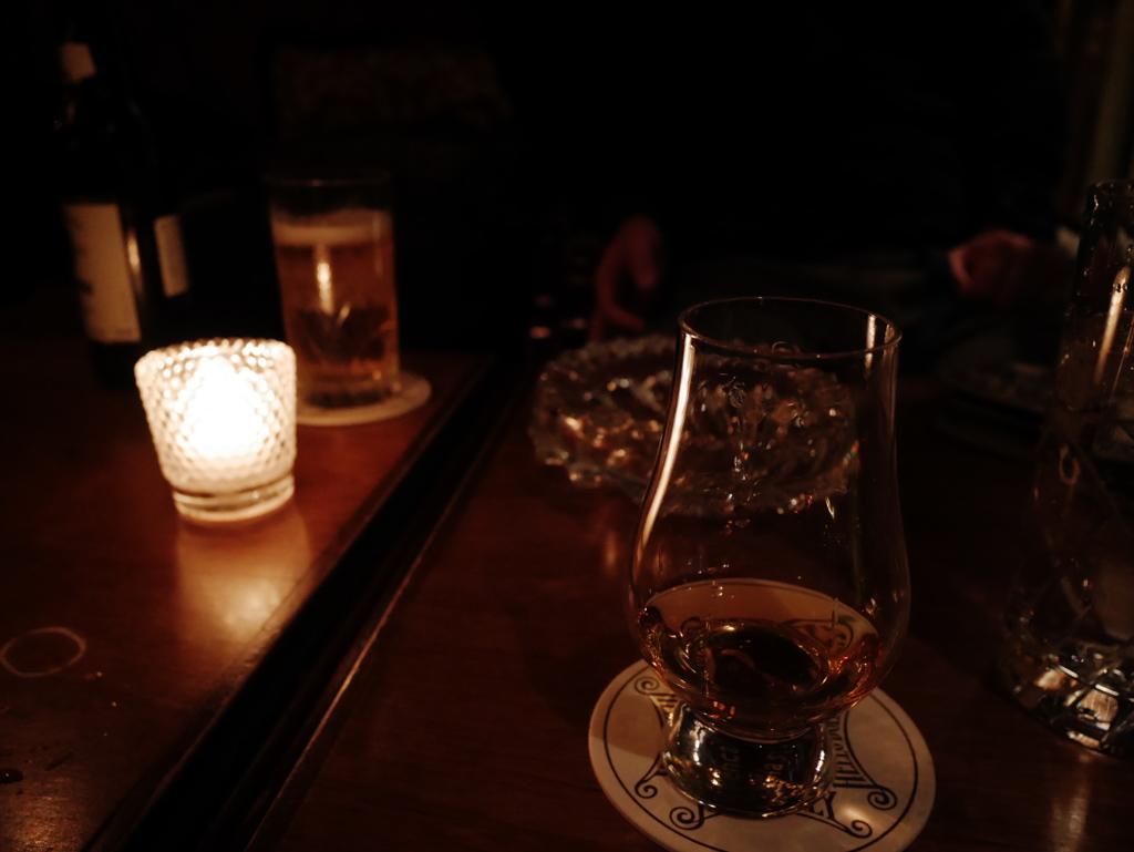 酒と友と往く年と