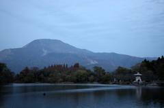 伊吹山と三島池