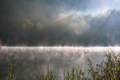 霧と毛嵐の朝