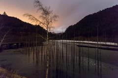 未明の自然湖