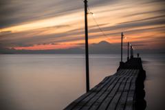 桟橋と釣り人と・・・1