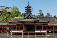 神殿と五重塔
