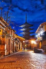雨後の京都法観寺