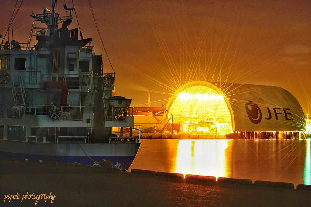 JFEスチール福山工場と船