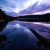 高原にある池の朝