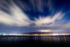 未明の雲は流れる