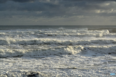 海が荒れました