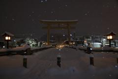 雪夜の参道