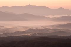 日の出前の雲海。