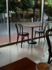 お昼前の喫茶店